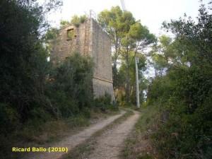 Torre de Fellines. Foto R. Ballo 2010.