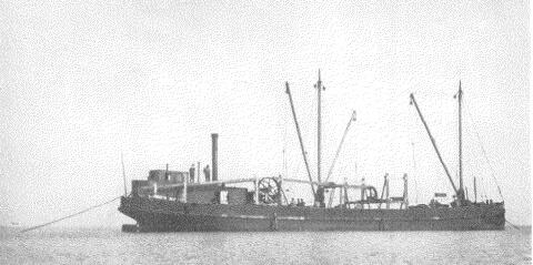 Gabarra dispuesta a tender el cable submarino en el Gran Belt