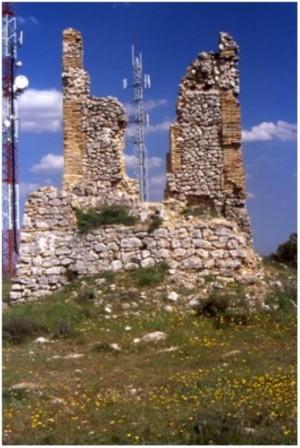 Fachada occidental, totalmente destruida. Autor Jesús López Requena.