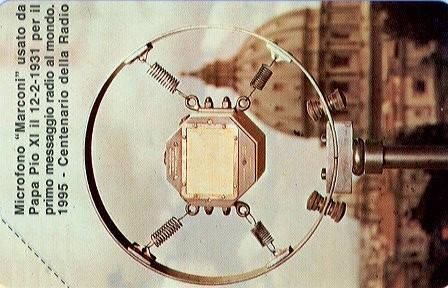 Centenario de la Radio. Micrófono Marconi usado por Pio XI.  Ciudad del Vaticano