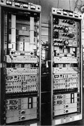 Equipos transmisores y receptores para radioenlaces de 1960.