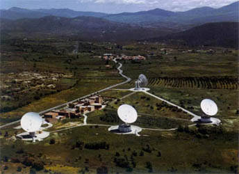 Vista general de estación terrena de satélites para el sistema Intelsat (Buitrago).