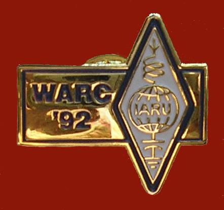 Pin conmemorativo Conferencia Mundial de Radiocomunicaciones de 1992