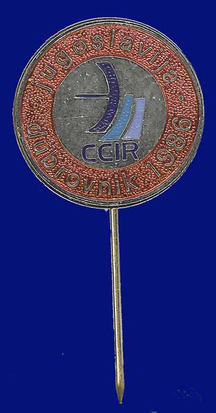 Pin conmemorativo reunión del CCIR celebrada en Yugoslavia en 1986