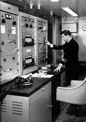 Estación radioeléctrica de a bordo.