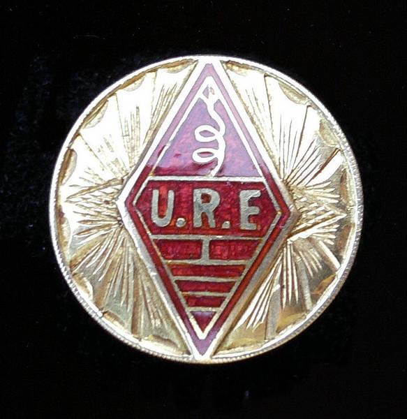 Botón de Oro de la Unión de Radioaficionados Españoles otorgado a EA4DO (1961)