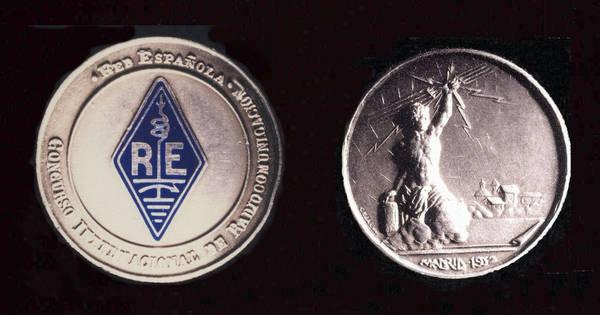 Medalla de Plata Concurso Internacional de Radiotransmisión (1932) de la Asociación Red Española, a EAR-233