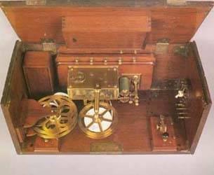 Estación telegráfica Morse portátil.